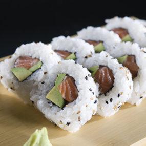 62 Uramaki sake